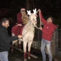 """Babbo Natale e il suo cavallo """"Fiocco"""""""