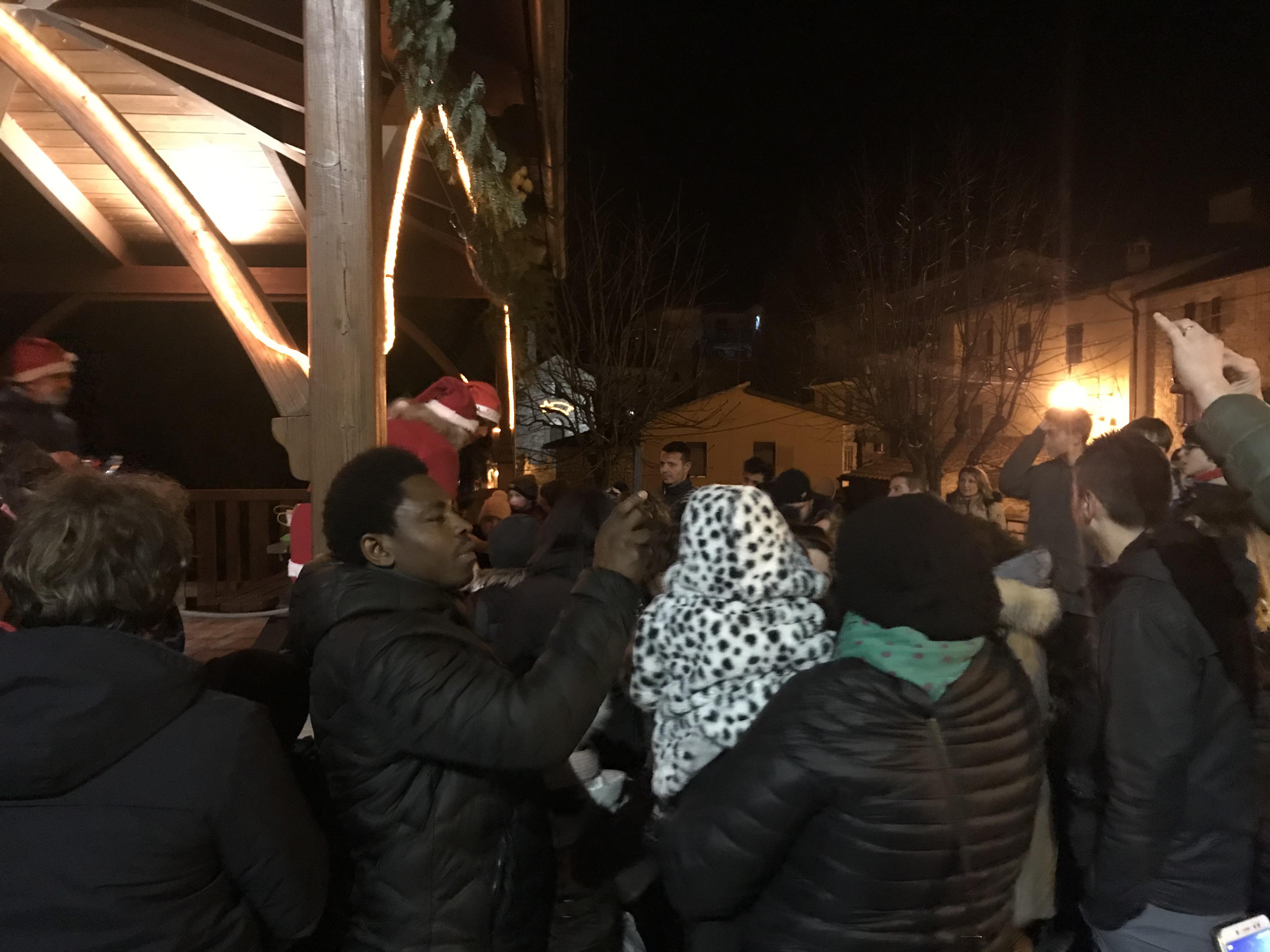 Festa in piazza la Vigilia di Natale 4